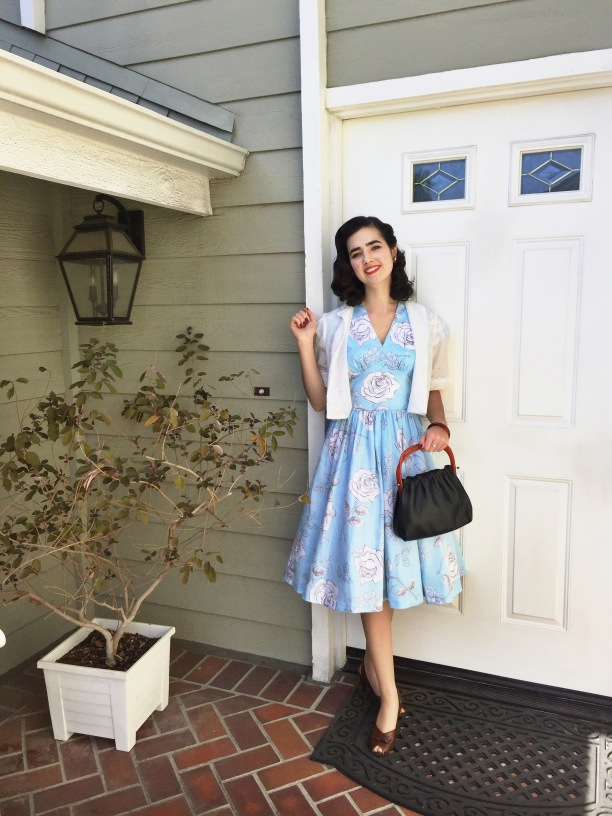 "The Homemade Pinup: A ""Gertie Fabric"" Blue Floral Daydream (+ Butterick B5209 review)"