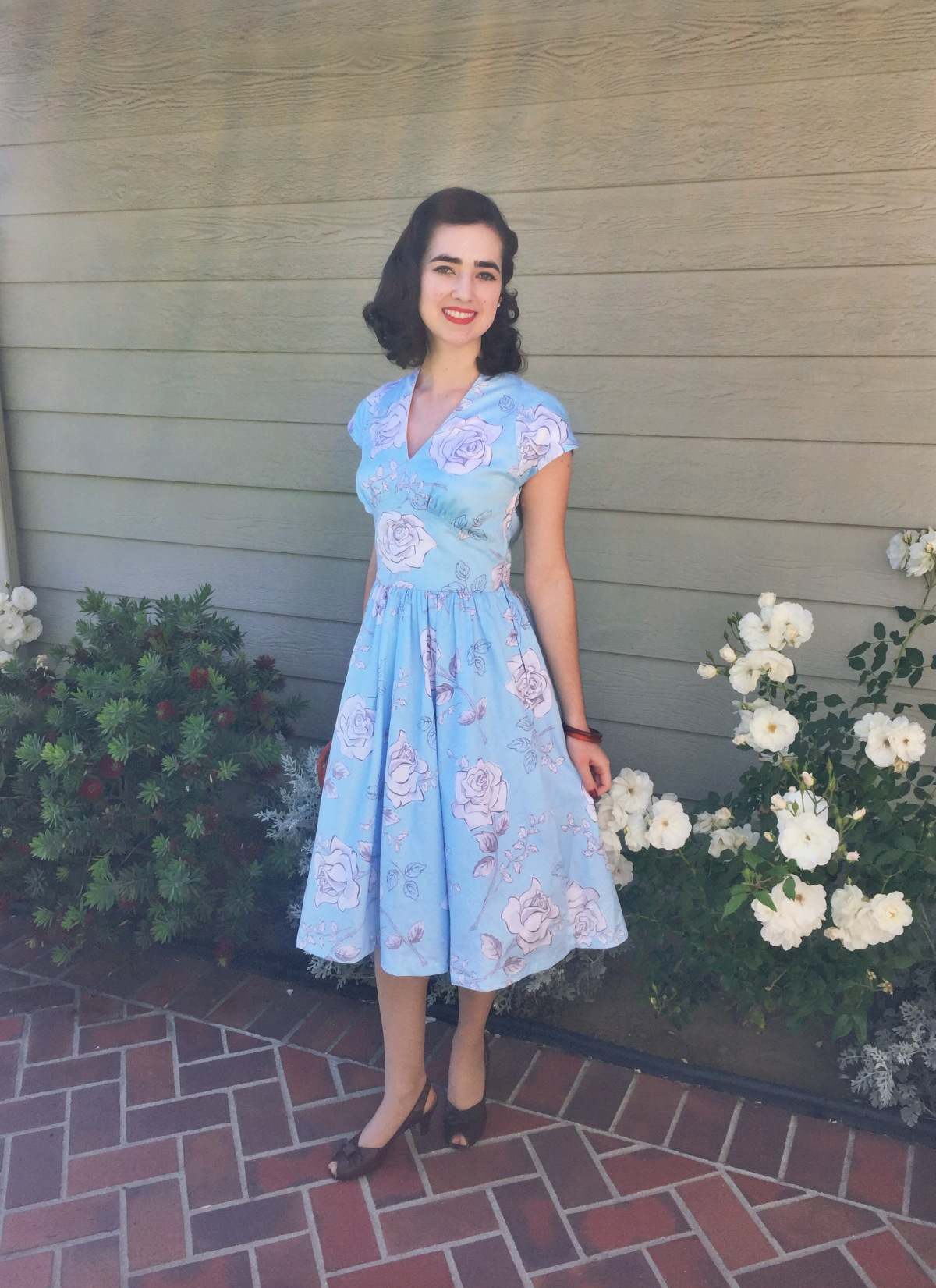 """The Homemade Pinup: A """"Gertie Fabric"""" Blue Floral Daydream (+ Butterick B5209 review)"""